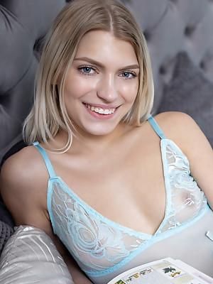 Leaya Fantasize