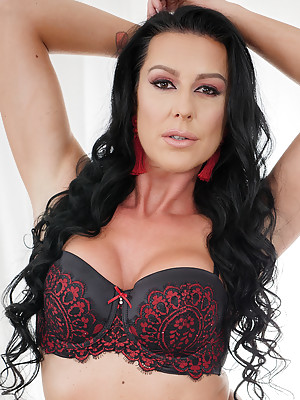 Sexy MILF Texas Patti Hot Cum Swallow P -  she likes to have hard cock penetration