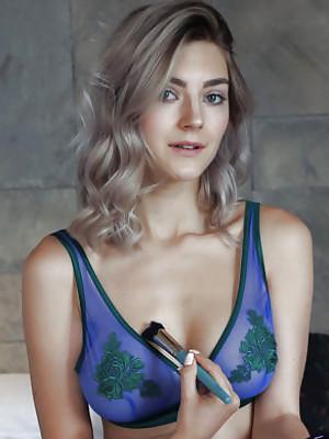 Eva Elfie Pampered