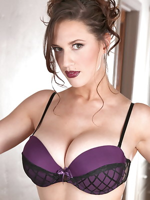 Hi guys! I have a very sexy new tease photo set for you to enjoy. I always love the look of a good lingerie and the way it makes big tits like mine really POP and give some great cleavage, and I hope that after cecking out this one, you agree too!