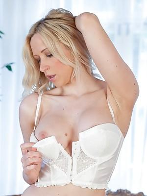 Samantha Alexandra - More than a lingerie tease!